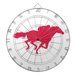 Carrera de caballos del rojo carmesí