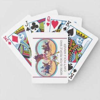 Carrera de caballos divertida - el trabajo está baraja cartas de poker