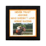 carrera de caballos excelente joyero cuadrado pequeño