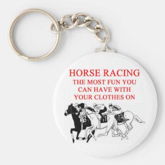 Carrera de caballos llavero redondo tipo pin