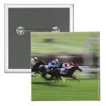 carrera de caballos pin cuadrado