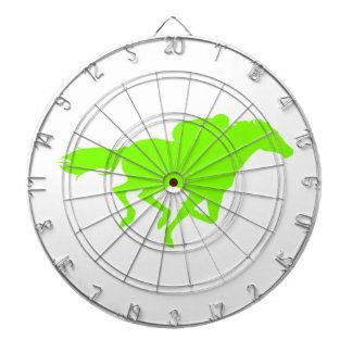 Carrera de caballos verde chartreuse, de neón