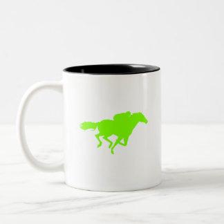 Carrera de caballos verde chartreuse, de neón tazas