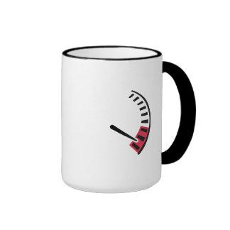 Carreras de coches del velocímetro taza de café