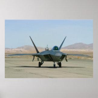 Carreteo del rapaz F-22 Poster