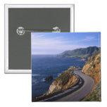 Carretera 1 a lo largo de la costa de California c Pins