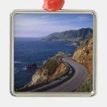 Carretera 1 a lo largo de la costa de California Adorno Cuadrado Plateado