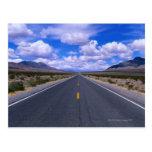 Carretera a través de Death Valley, California Tarjetas Postales