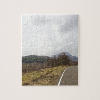 Carretera en montañas escocesas puzzles