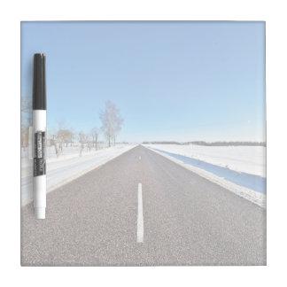Carretera nacional pizarras blancas