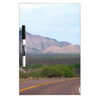 Carretera nacional tableros blancos