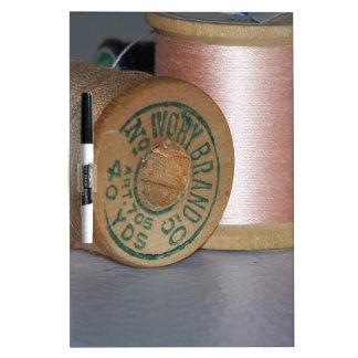 Carretes del hilo del vintage tableros blancos