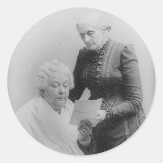 Carrito Stanton y Susan B. Anthony de Elizabeth Pegatina Redonda