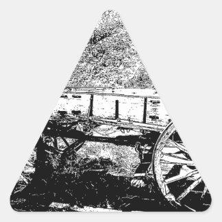 Carro antiguo en el dibujo de la pluma y de la pegatina triangular