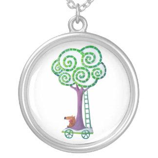 Carro con el árbol mágico grimpola