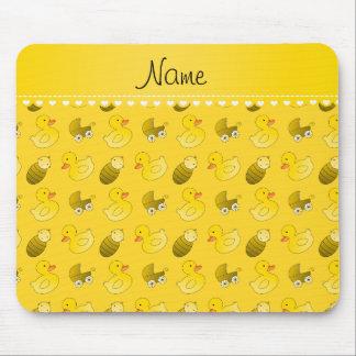 Carro de bebé amarillo conocido del rubberduck tapetes de ratones