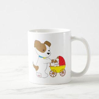 Carro de bebé lindo del perrito tazas
