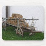 Carro del heno tapete de ratón
