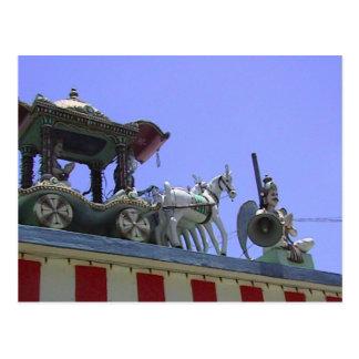 Carro del templo hindú en el tejado tarjeta postal