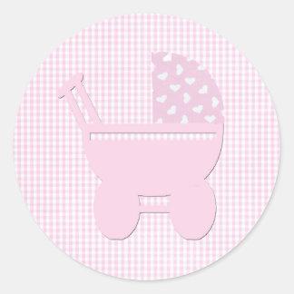 Carro rosado bonito del vintage de la niña pegatinas redondas