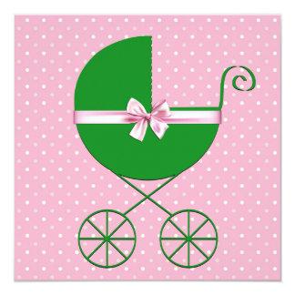 Carro verde y fiesta de bienvenida al bebé rosada invitación 13,3 cm x 13,3cm