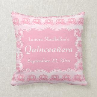 Carros en colores pastel rosados Quinceanera Cojin