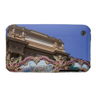 carrusel decorativo pintado con las imágenes de Case-Mate iPhone 3 coberturas