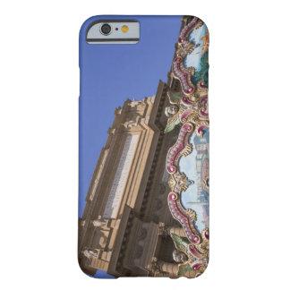 carrusel decorativo pintado con las imágenes de funda para iPhone 6 barely there