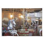 Carrusel del parque de atracciones del vintage mantel