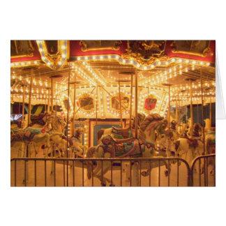 Carrusel en la noche tarjeta de felicitación