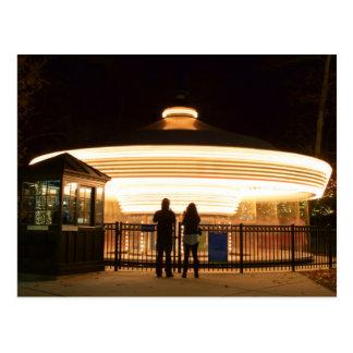 Carrusel en la postal de la noche