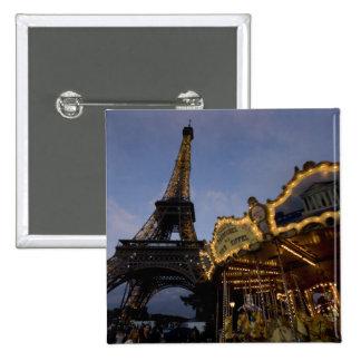 Carrusel por la torre Eiffel por la tarde, Pin Cuadrado