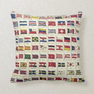 Carta de las banderas nacionales del vintage - cojín decorativo