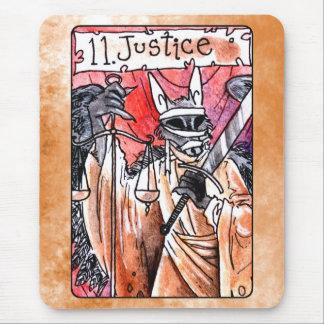 Carta de tarot de la justicia mousepads