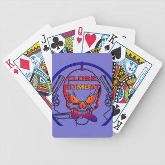 Cartas del combate cercano barajas de cartas