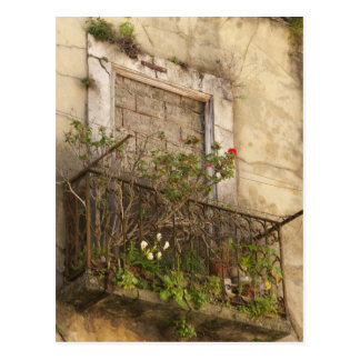 Casa abandonada vieja tarjeta postal