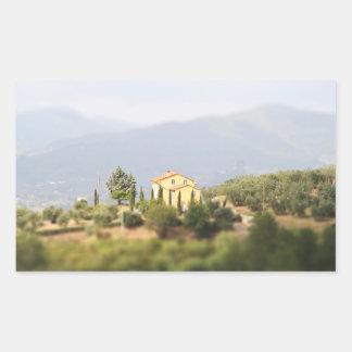Casa amarilla en la Toscana Pegatina Rectangular
