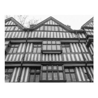 Casa antigua de Tudor en Londres Tarjeta Postal