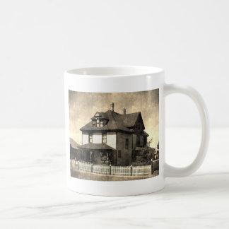 Casa antigua majestuosa taza