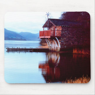 Casa barco en el cojín de ratón de Ullswater Tapetes De Raton
