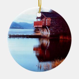 Casa barco en el ornamento de Ullswater Adornos