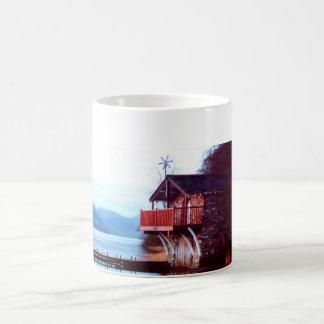 Casa barco en la taza de Ullswater