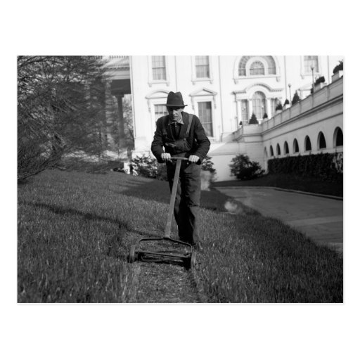 Casa Blanca, césped verde, los años 30 Postal