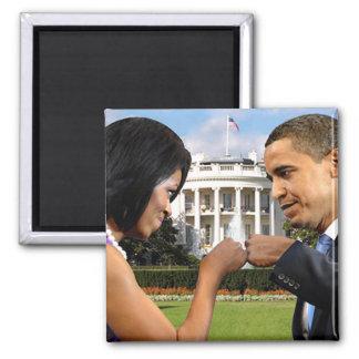 Casa Blanca del topetón del puño de Obama Imán Cuadrado
