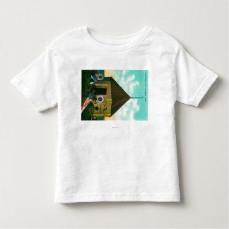 Casa de bloque rusa en San Miguel, Alaska T Shirts