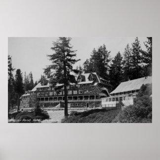 Casa de campo del punto del glaciar del parque nac póster