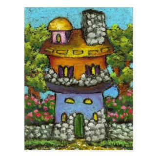 Casa de hadas colorida tarjeta postal