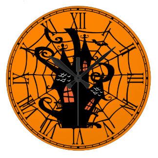 Casa de la araña de Halloween Reloj Redondo Grande