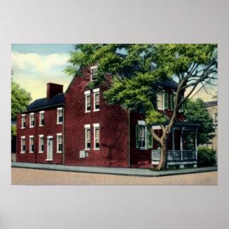 Casa de la bola de cañón de Winchester Virginia Posters