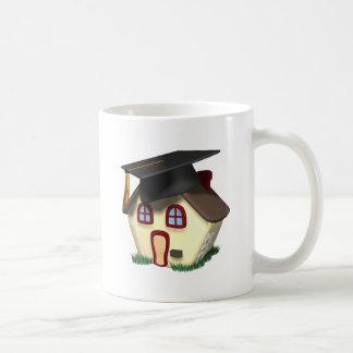 Casa de la graduación taza de café